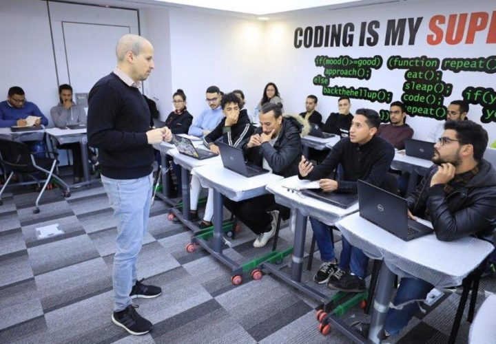 Mentoring Moroccan entrepreneurs at the OCP school Youcode (February 2020)